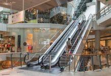 Foto interior de um shopping