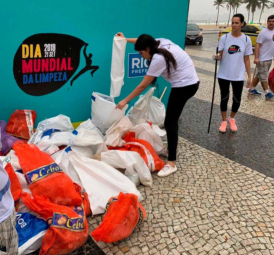 Além de coletar o lixo, o mutirão teve por objetivo conscientizar as pessoas a não jogarem resíduos indevidamente em córregos, rios, lagos, lagoas, praias, encostas, mangues, praças e ruas.