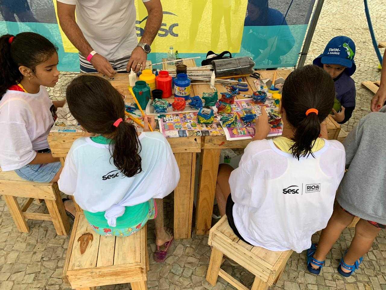 Crianças participaram de oficinas de arte sobre o meio ambiente