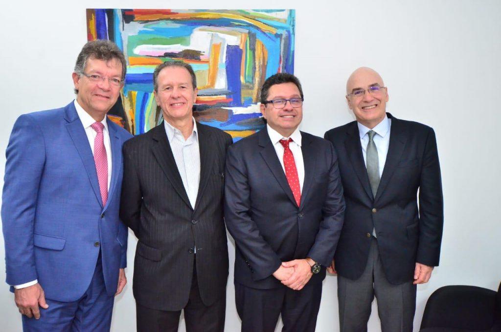 O deputado federal, Laércio Oliveira; o presidente do Seac-RJ, Ricardo Garcia; o presidente da Febrac, Renato Fortuna Campos, e o presidente da Fecomércio-RJ, Antônio Florêncio de Queiroz.